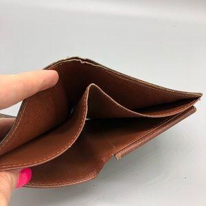 Louis Vuitton Bags - Authentic Louis Vuitton bifold monogram wallet